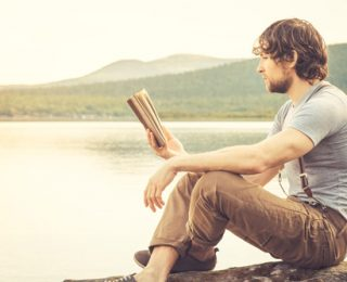 Motivational Books for Healthy Living: Building Your Recovery Reading List
